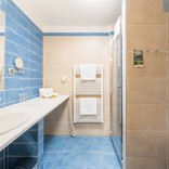 standard-koupelna-modra1